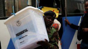 Kenya Raila Odinga conteste la composition de l'IEBC