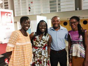 Raissa Banhoro avec son mentor et les autres récipiendaires