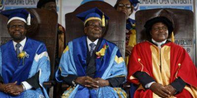 Mugabe a une remise de diplôme