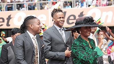 Disgracefull et ses rejetons, Robert et Chatunga Mugabe
